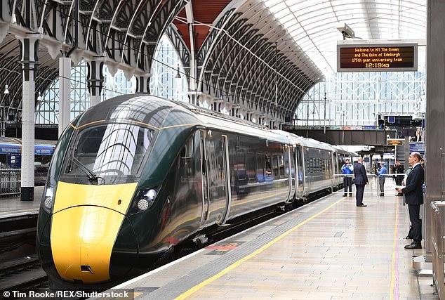 A partir del próximo mes, un servicio ferroviario económico llamado Lumo ofrecerá tarifas de Londres a Edimburgo por menos de £ 15 (imagen de archivo)