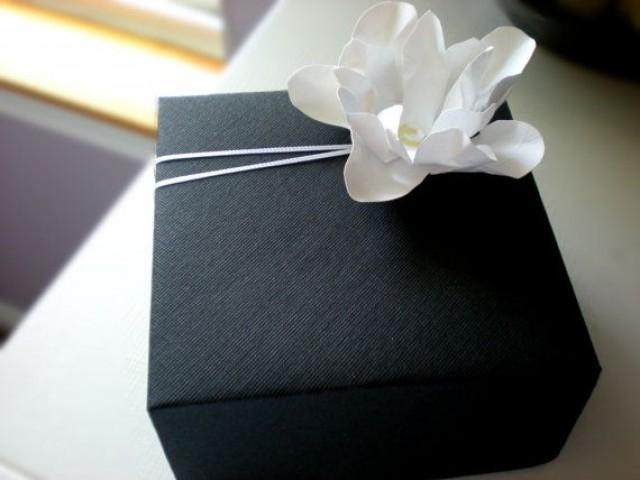 Elegant Gift Wrapping #2092452