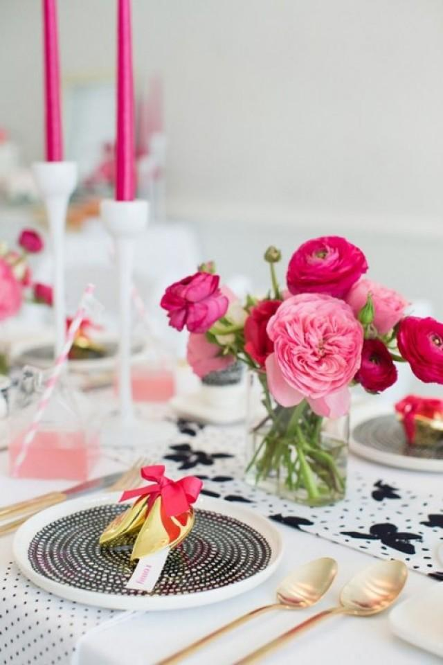 26 Beautiful Valentines Day Wedding Tablescapes