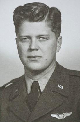 Lindblad in his Air Force uniform.