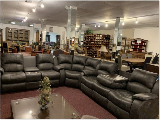 united furniture kenia sectional in black or brown including delivery furniture home by dealer for sale on grafenwoehr bookoo