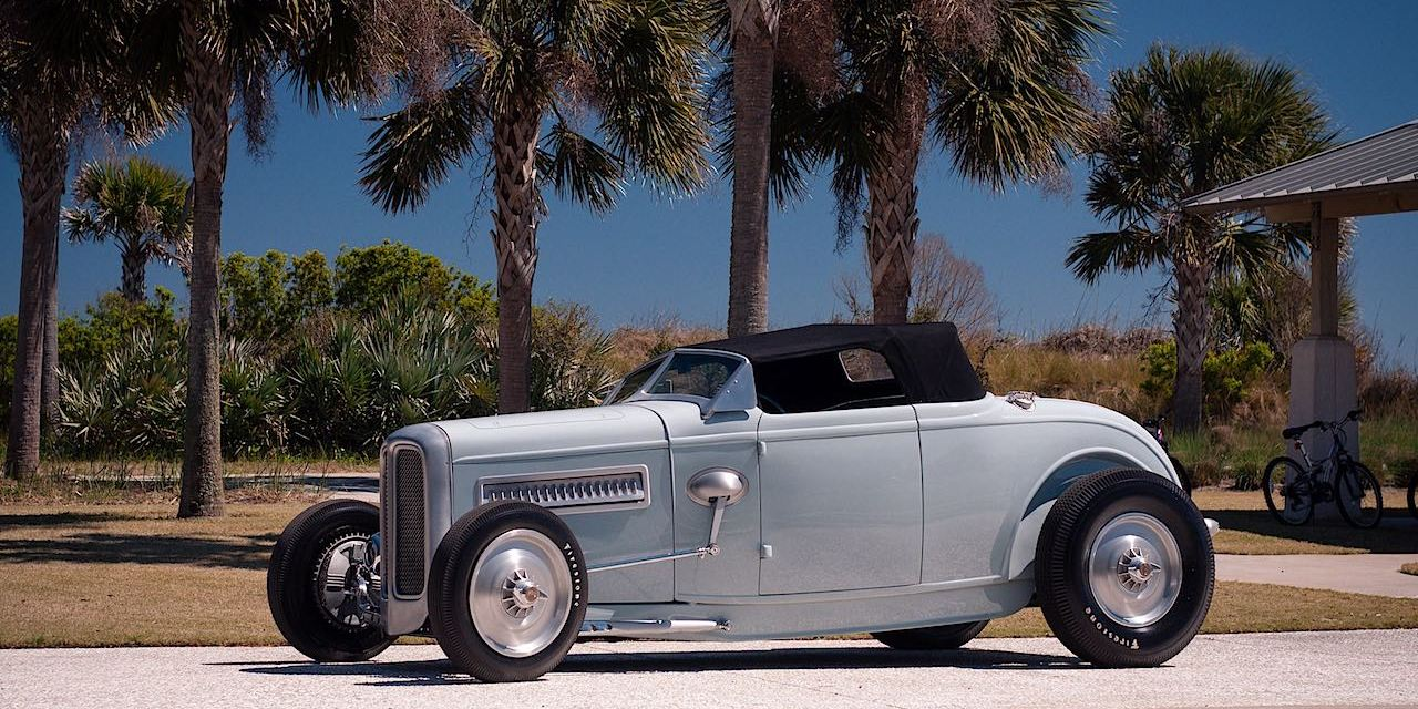 Crafty-B\'s 32 Ford Hot Rod - S3 Magazine