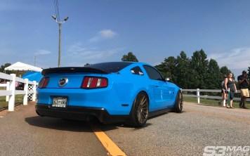 Lowered S197 Mustang grabber blue