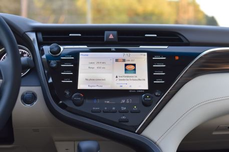 2018 Toyota Camry infotainment stereo
