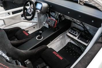s3-magazine-csf-mitsubish-evo-x-63-sparco-seats-dash