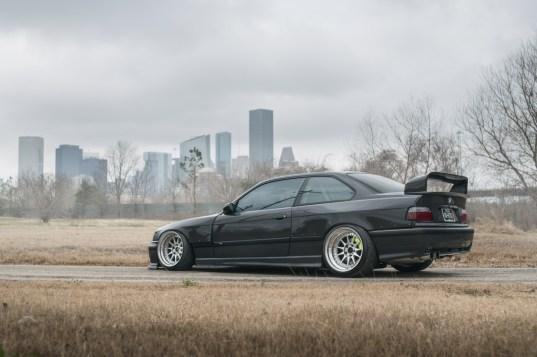 s3-magazine-LS-E36-M3-12-rear-side