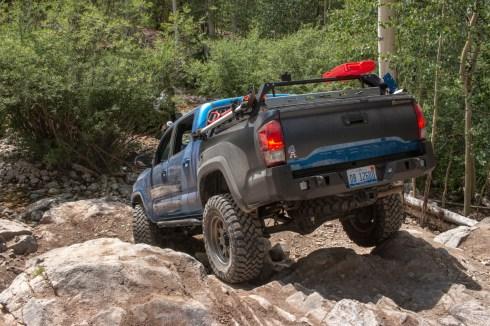 Toyota-Tacoma-Offroad-4x4-TRD-Sport-5