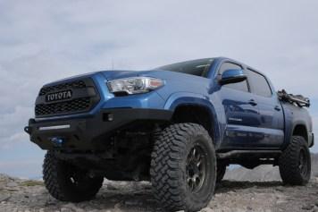 Toyota-Tacoma-Offroad-4x4-TRD-Sport-8