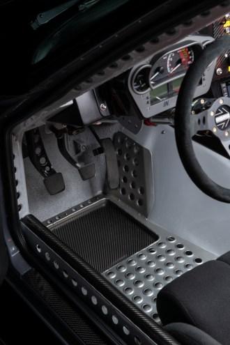 Datsun-240z-S3-Magazine-4