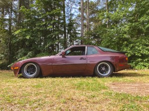 lowered Porsche 944