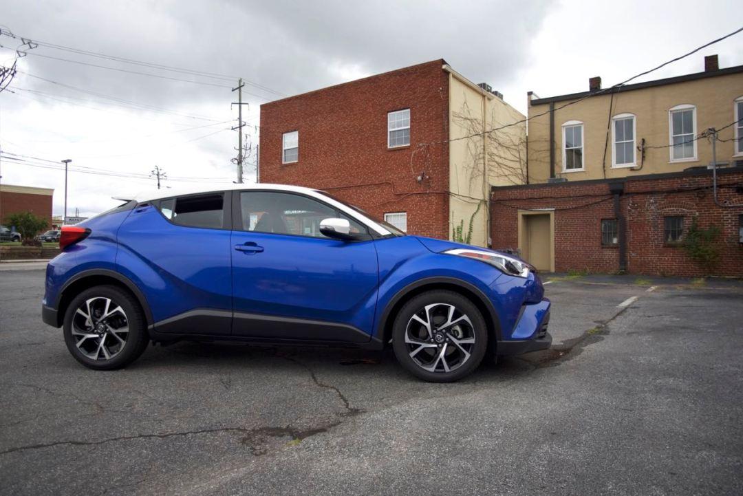 Toyota C-HR blue