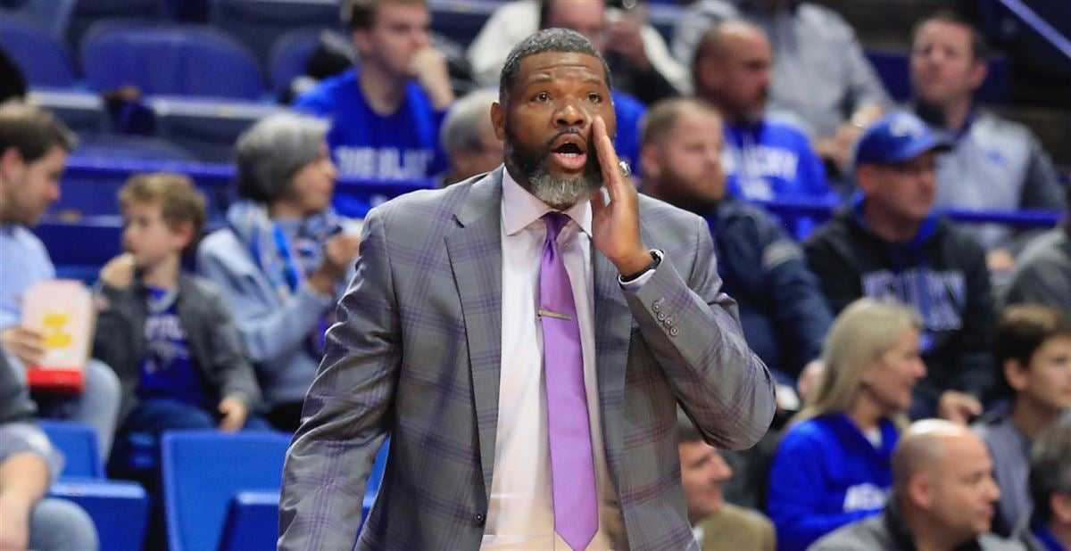Report: Evansville fires coach Walter McCarty