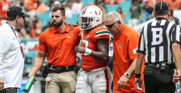 RB DeeJay Dallas injured in first quarter, will not return