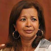 Najib needs to aplogise to my mum, says Marina.