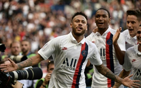 Neymar saves PSG sending French champions 3 points clear
