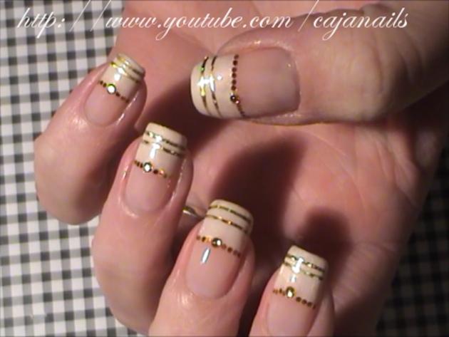 Nail Art Gold And Diamond