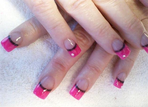 Hot Pink Black Line