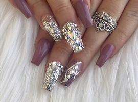 Elegant Theme With Swarovski Crystals