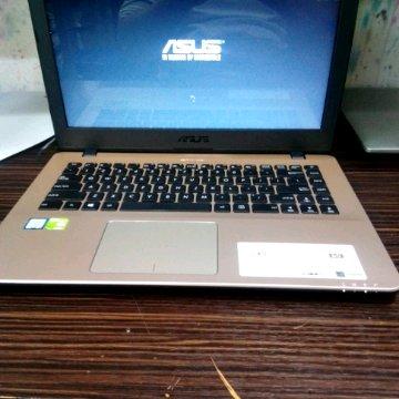 Asus VivoBook A442U