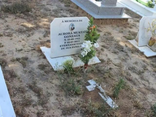 Los restos de Aurora reposan en el cementerio de Vila-Real