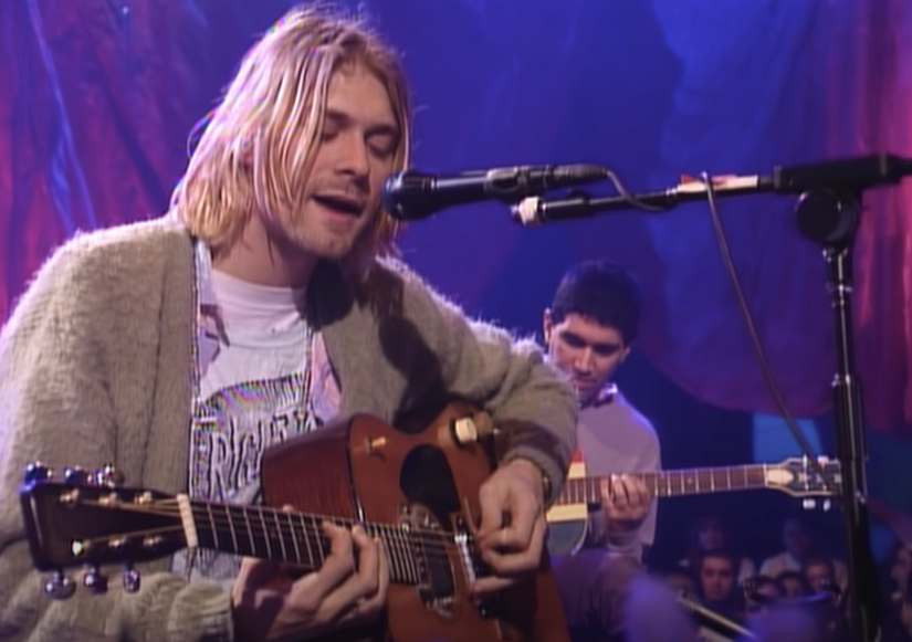Kurt Cobain's guitar from 1993 MTV Unplugged performance in New York sold for $6mn at auction 3