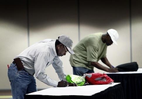 Veterans job fair / AP