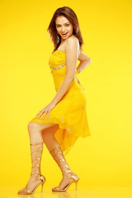 Amruta Khanvilkar Indian Bollywood and Marathi Film Actress and Dancer very hot and sexy stills