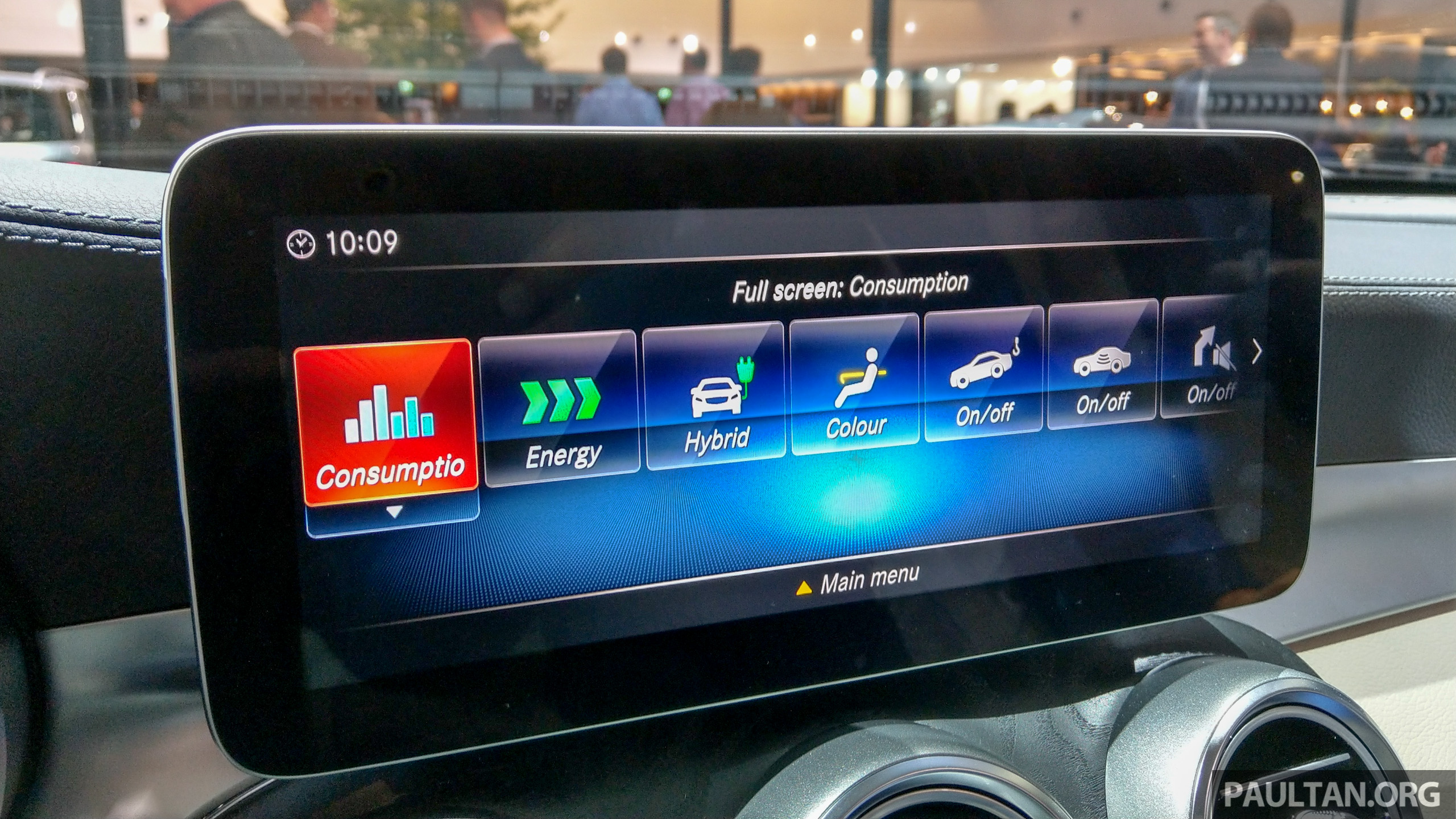 W205 Mercedes Benz C Class Facelift Interior Previewed By
