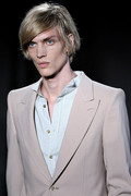 Alexander Mc Queen 2012 mens hairstyle trends www izandrew blogspot com izandrew 5