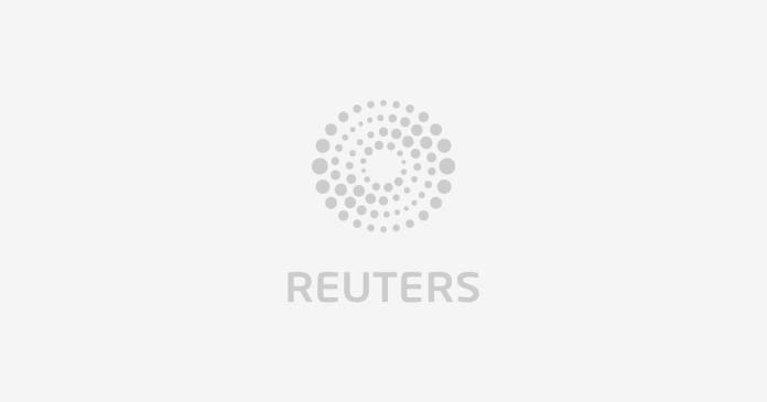 Tornado hits small Texas town, seven reported hurt