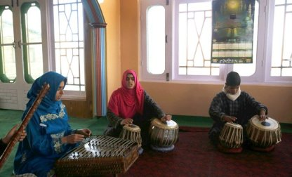 Here's How Kashmiri Teenage Girls Are Helping Preserve Traditional Sufi Music