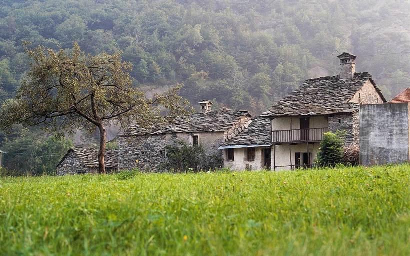 За переезд в альпийскую деревню в Италии заплатят 9 тысяч евро