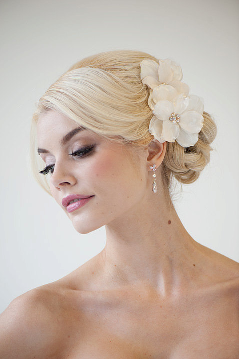 bridal flower hair clips wedding hair accessory fascinator ivory bridal head piece new