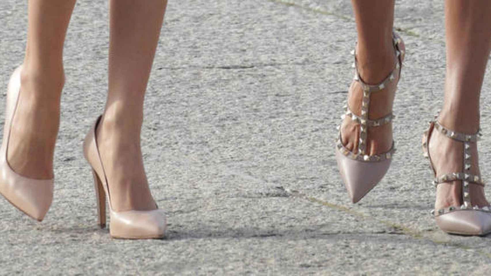 Detalle de los zapatos.