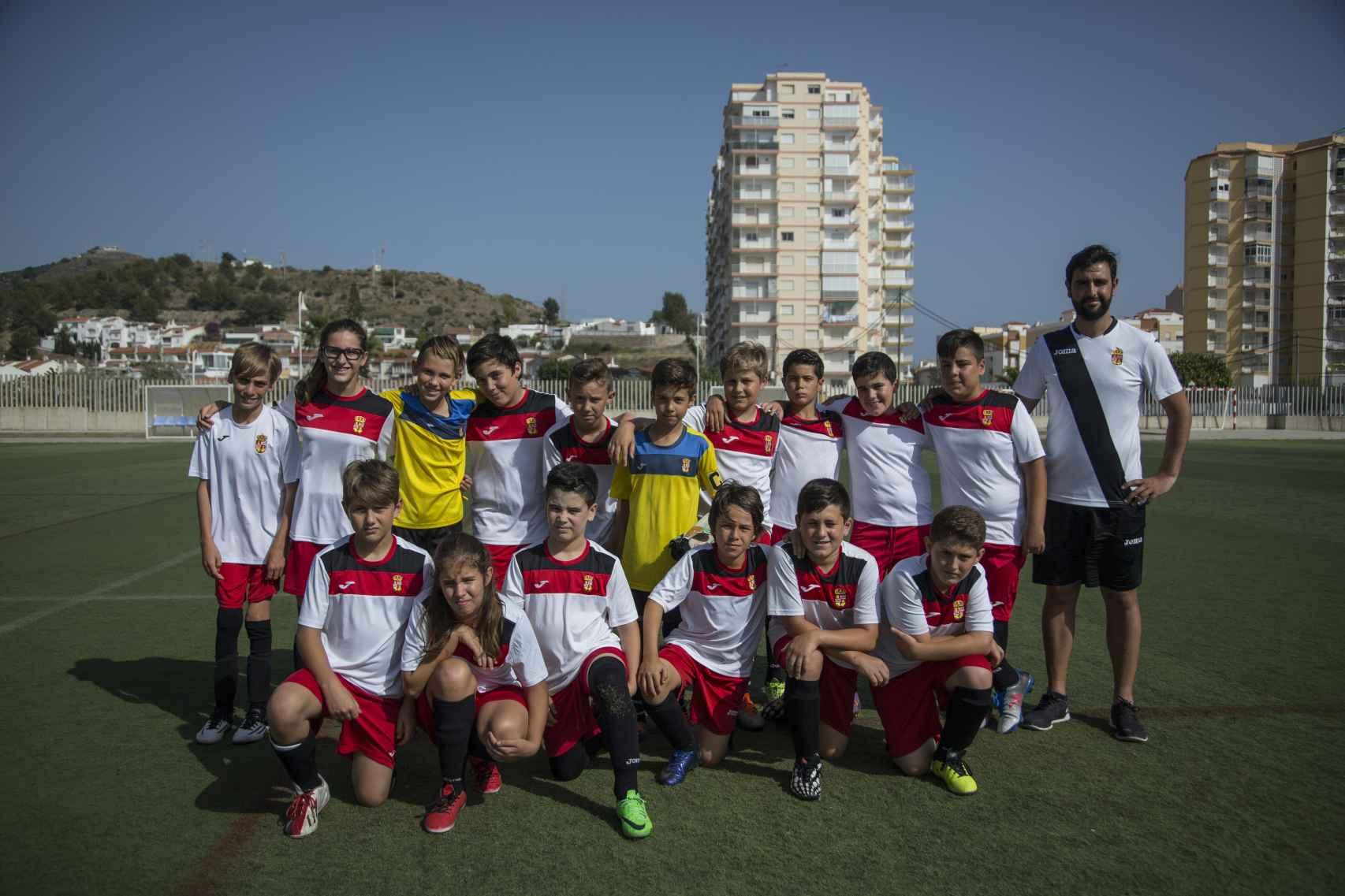 La plantilla al completo de la Asociación Deportiva Albuñol.