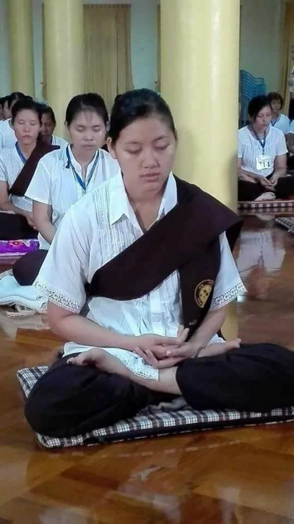 တရားစခန်းမှာ အဓိဌာန်အောင်မြင်ခဲ့တဲ့ ပါရမီရှင်လေး ချမ်းမီမီကို - Myanmarload