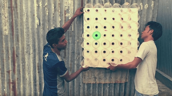 Bangladeshi inventor Ashis Paul has figured out how to repurpose plastic bottles into a low-cost, electricity-free air conditioner