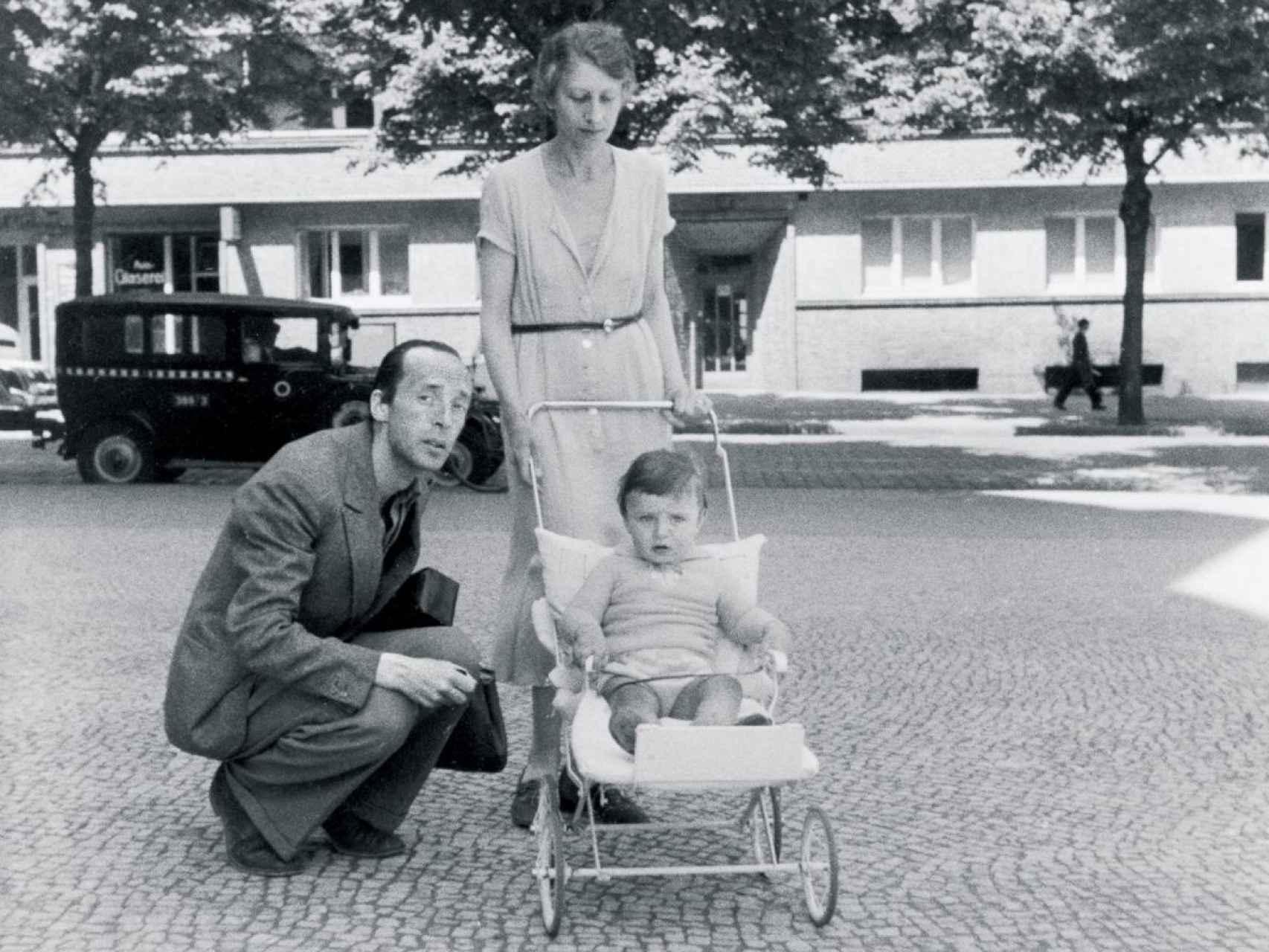 Vera, Vladimir y su hijo.
