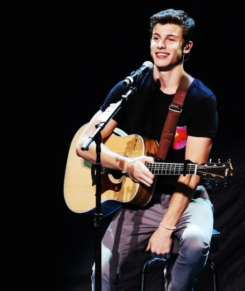 Image result for shawn mendes with guitar