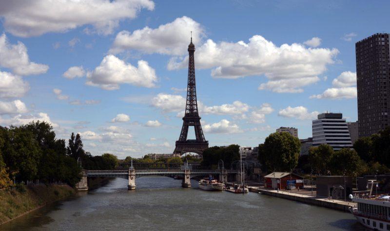 от Эйфелевой башни до Нотр Дам через Париж