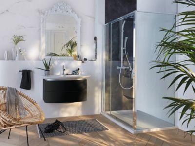 du marbre dans la salle de bains on