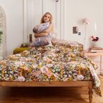 Mila Sketched Floral Duvet Set Urban Outfitters
