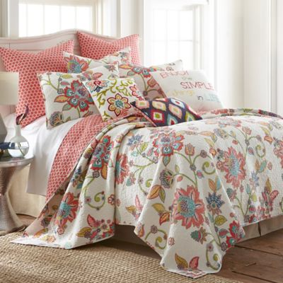Levtex Home Amelie Reversible Quilt Set In WhiteRed Bed
