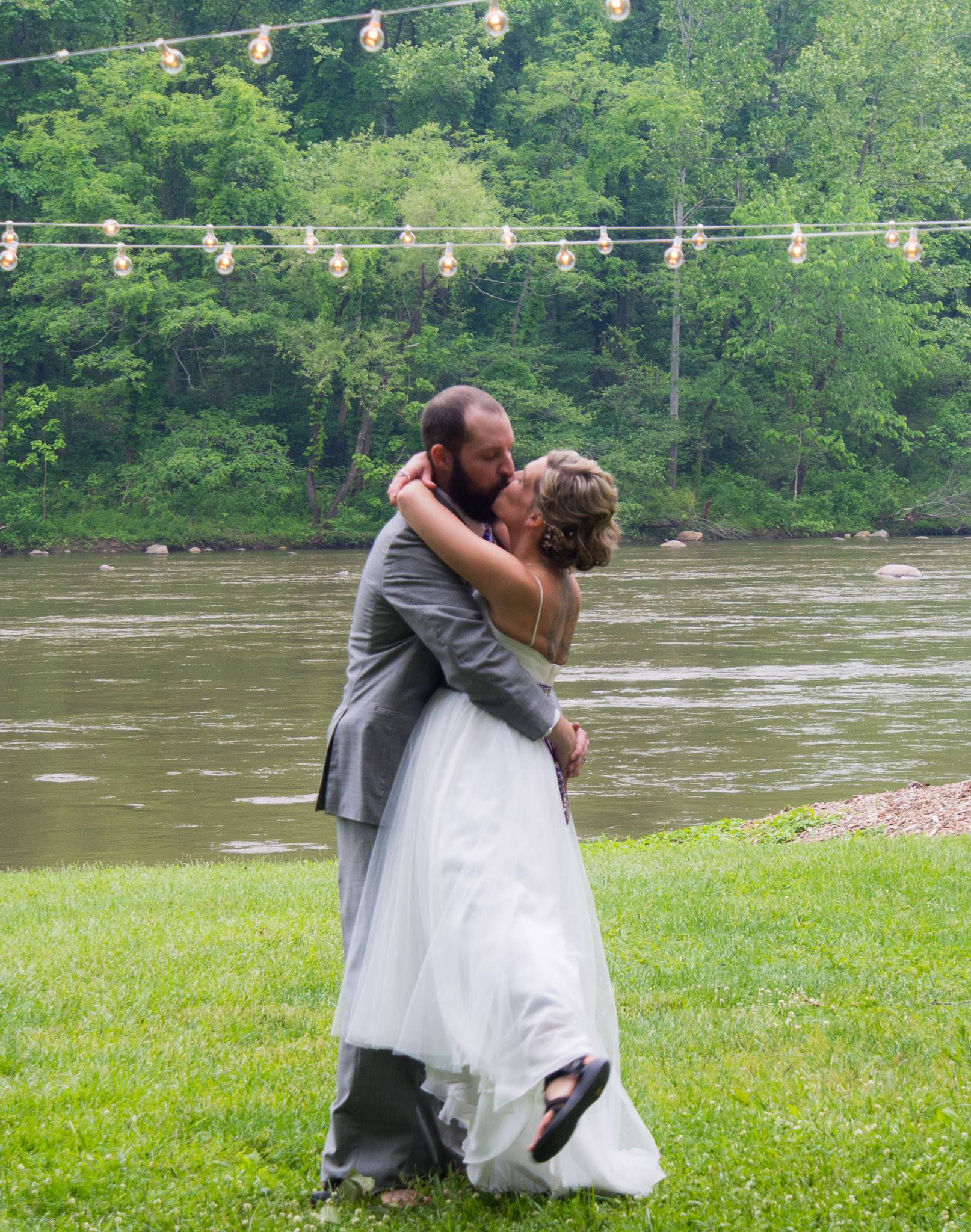 Nolichucky River Weddings Erwin TN Rustic Wedding Guide