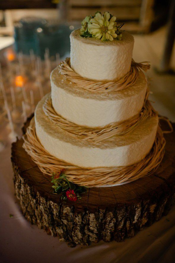 Country Wedding Cake Ideas   Rustic Wedding Chic Country Style Wedding Cake