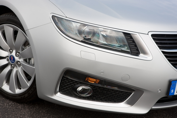 Saab 9-5 headlights in Saab Iceblock design