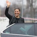 Schwedens Kronprinzessin Viktoria steigt in den Saab 9-5