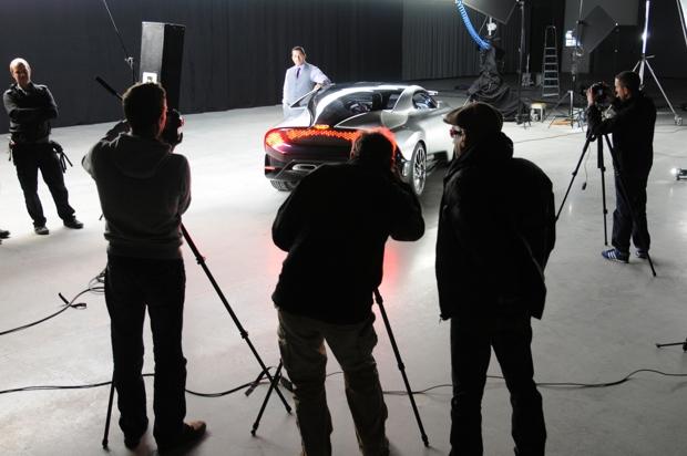 Saab Phoenix con el diseñador de Saab Steven Castriota
