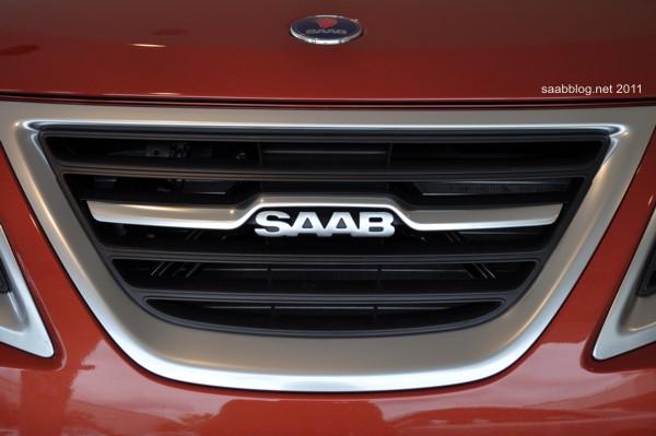 """Saab 9-3 """"Independence Day Edition"""", neuer Kühler mit modifiziertem Logo"""