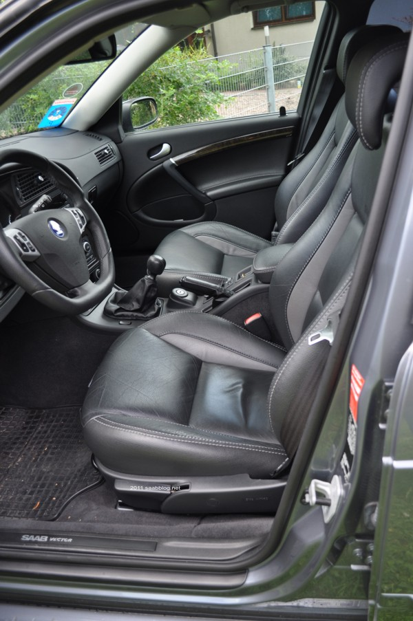 """Saab 9 5 2.3t Vector Biopower, """"Jubileum"""" -stoelen, stuurwiel met hertenprestaties"""